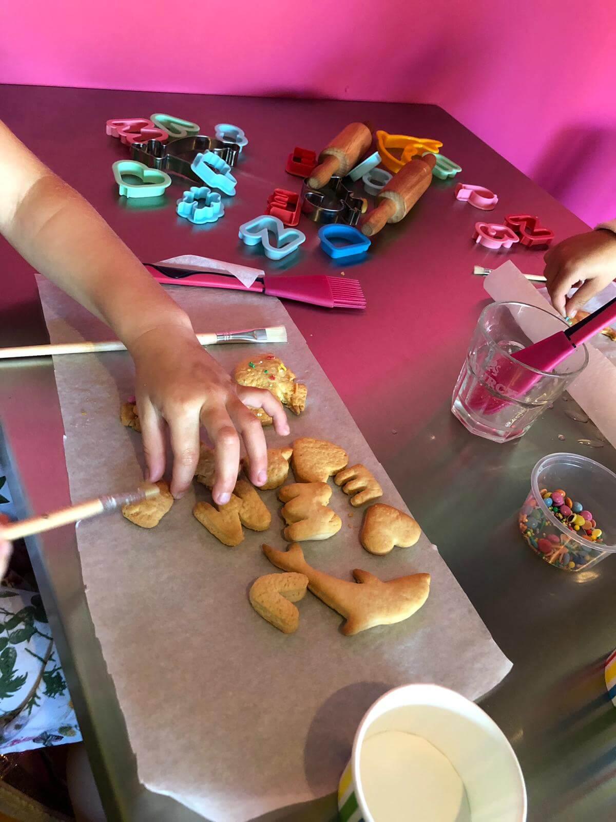 restaurant-feefa-kinderen-koekjes-bakken-1